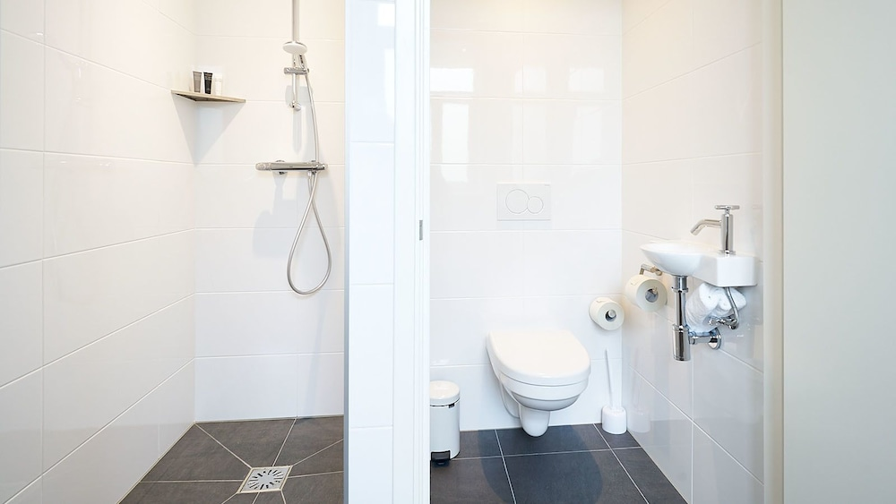 Cuarto de baño hotel asterisk
