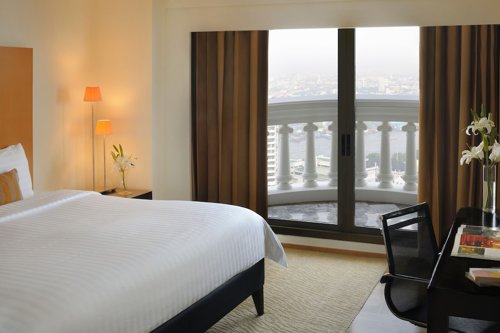 Room, lebua at State Tower (The World's First Vertical Destination)