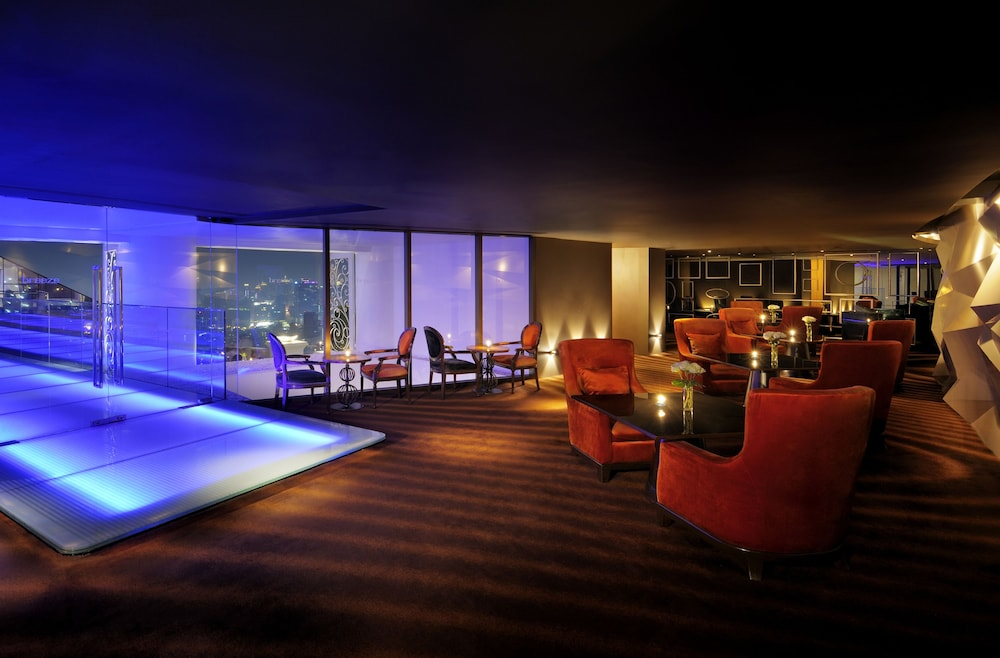 Lounge, lebua at State Tower (The World's First Vertical Destination)