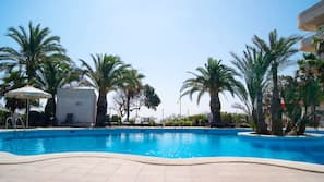 Seasonal outdoor pool, open 11:00 AM to 8:00 PM, sun loungers