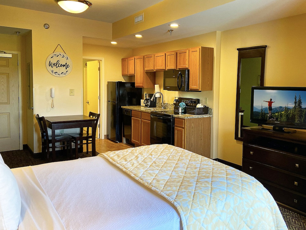 Room, The Resort at Governor's Crossing