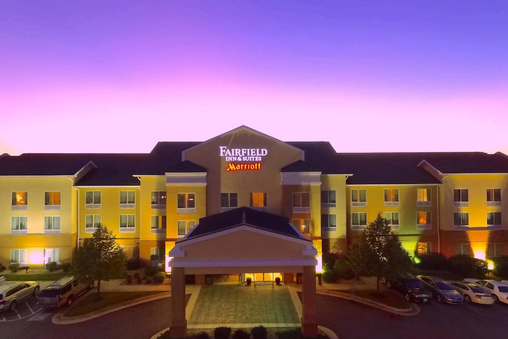 Fairfield Suites By Marriott Winchester In Hotel Rates Reviews On Orbitz