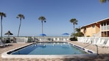 Silver Sands Gulf Beach Resort by RVA - Longboat Key Hotels