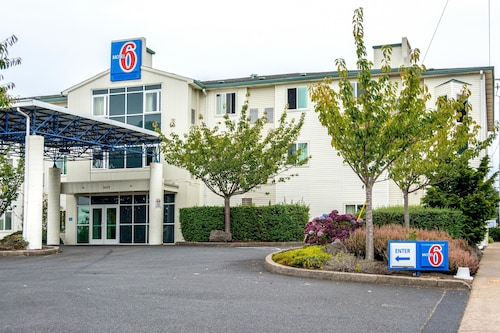 Motel 6 Lincoln City, OR