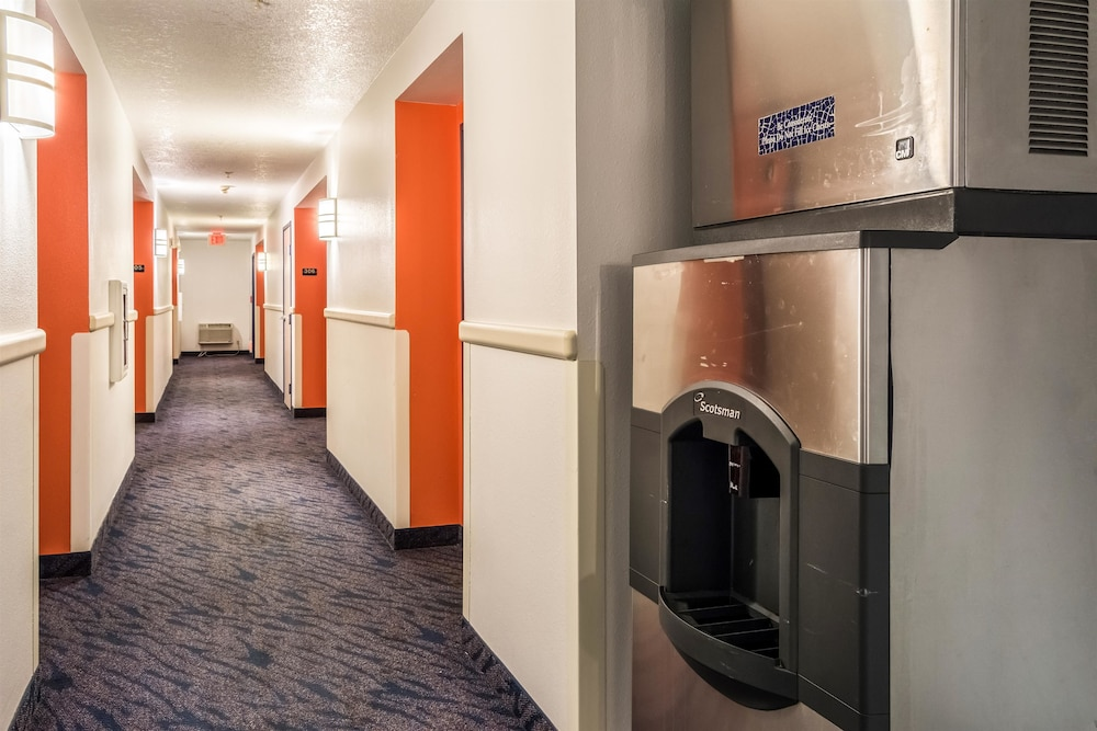 Property Amenity, Motel 6 Lincoln City, OR