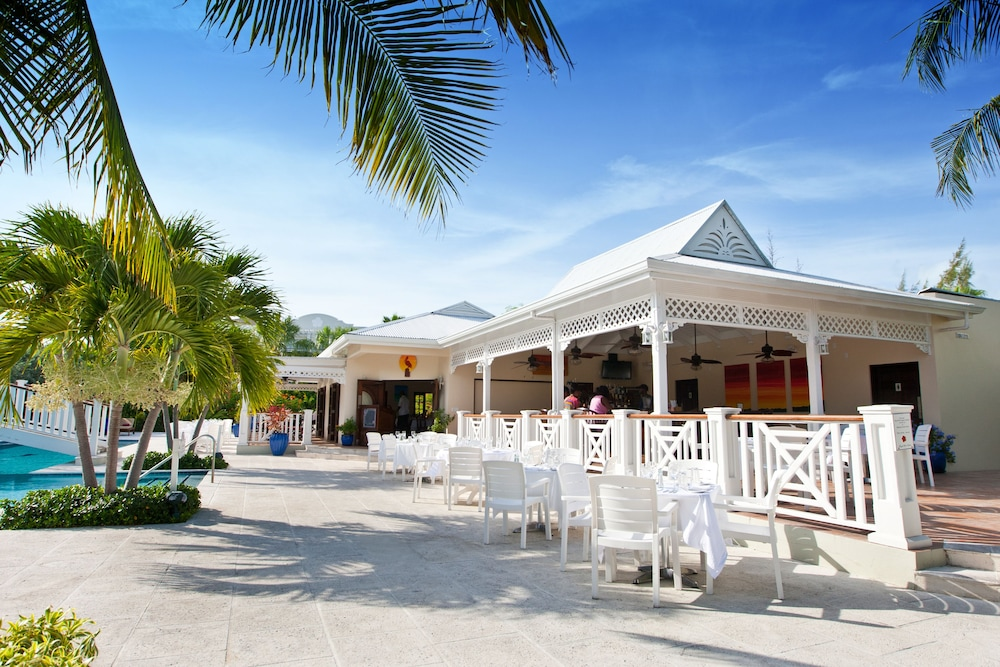 Poolside Bar, Royal West Indies Resort