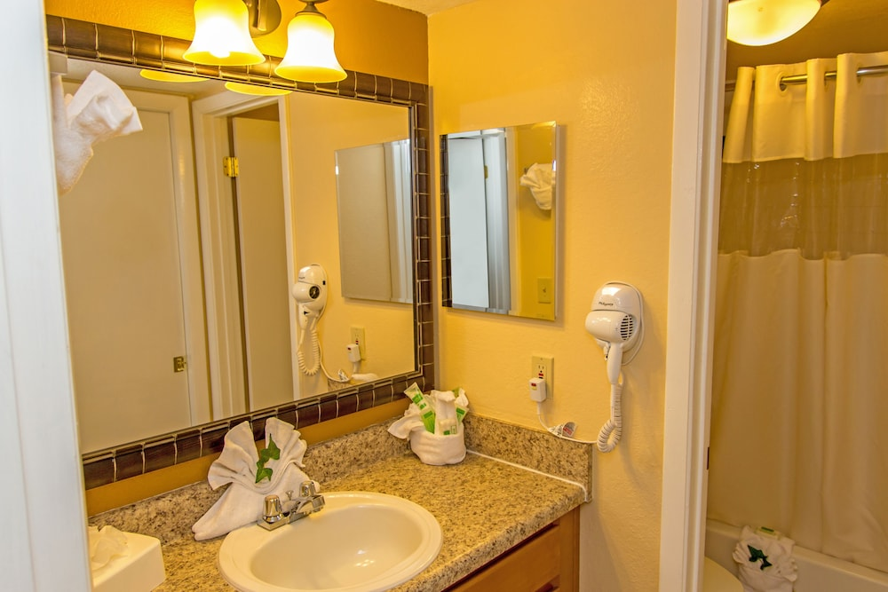 Bathroom, Westgate Leisure Resort