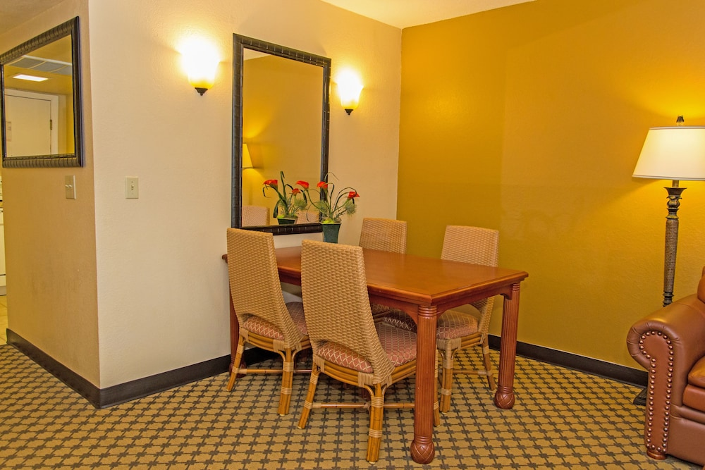 In-Room Dining, Westgate Leisure Resort
