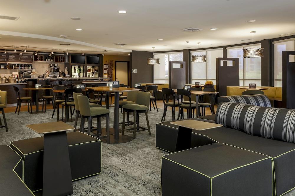 8284f382b3 Courtyard by Marriott Potomac Mills Woodbridge  2019 Room Prices  89 ...