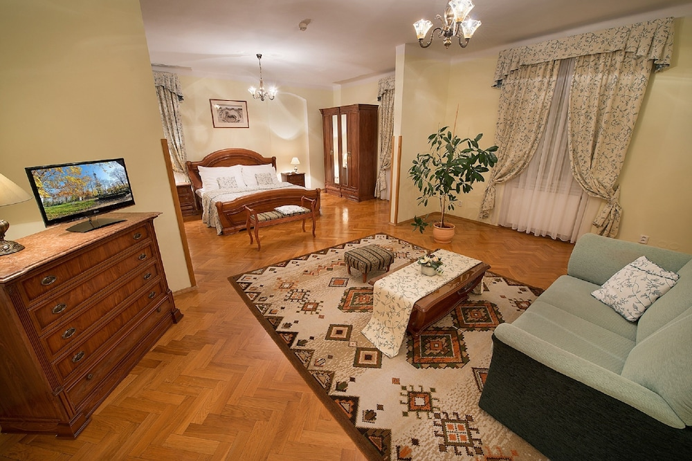 Boutique hotel constans in prague hotel rates reviews for Boutique hotel prague
