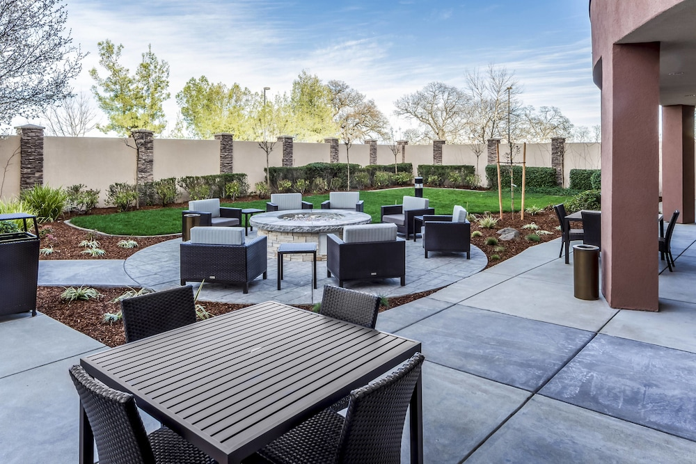Exterior, Courtyard by Marriott Roseville Creekside
