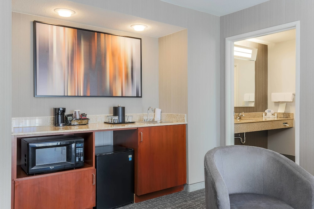 Room, Courtyard by Marriott Roseville Creekside