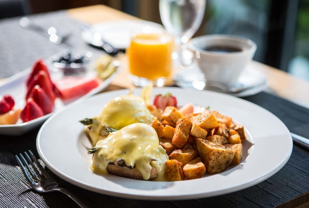 Breakfast Meal, Brentwood Bay Resort & Spa
