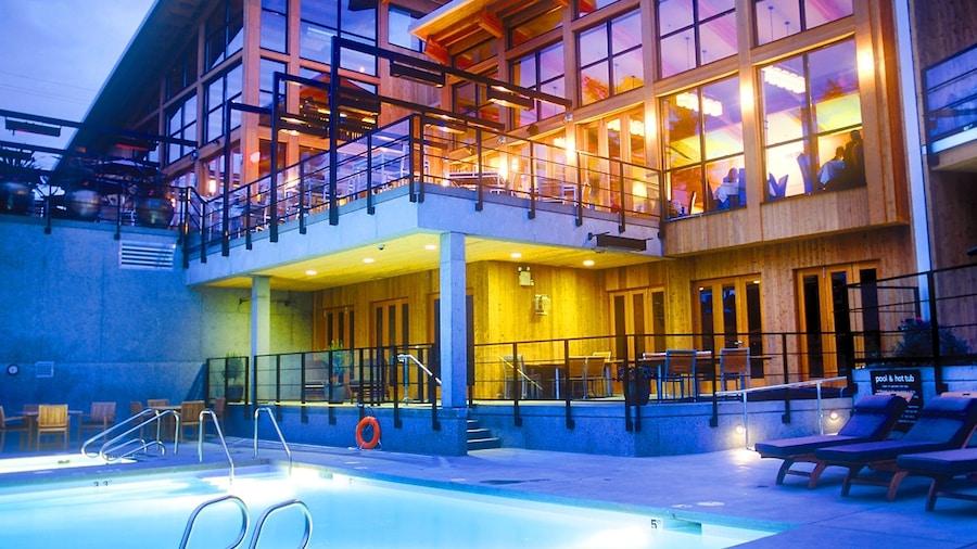Brentwood Bay Resort & Spa