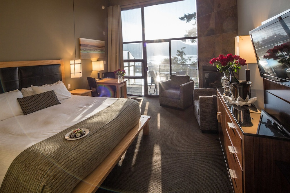 Room, Brentwood Bay Resort & Spa