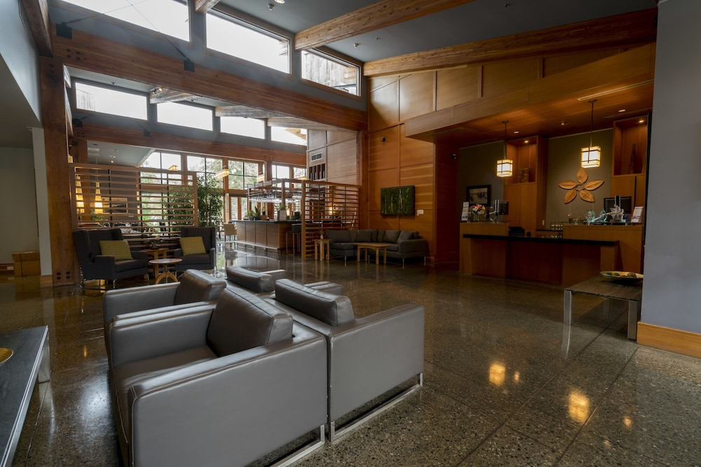 Lobby, Brentwood Bay Resort & Spa