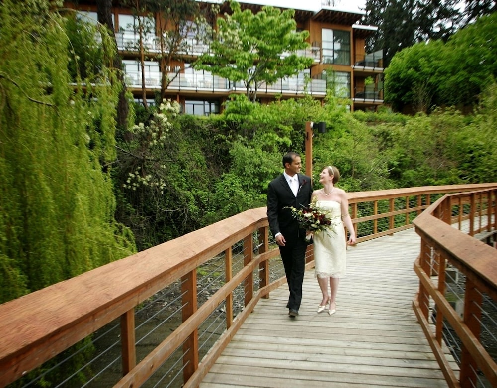 Property Grounds, Brentwood Bay Resort & Spa