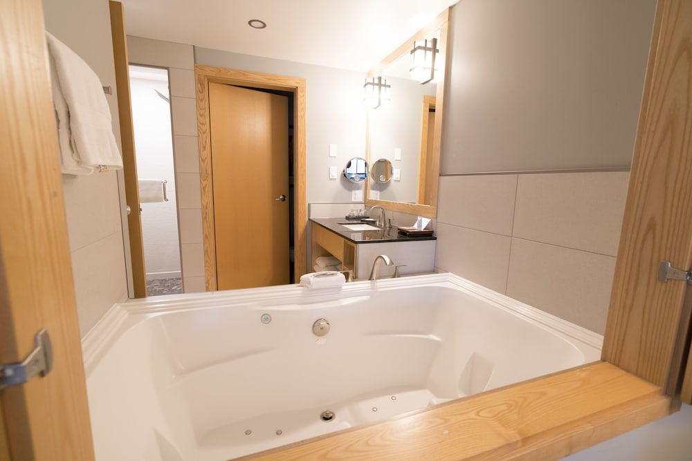 Jetted Tub, Brentwood Bay Resort & Spa