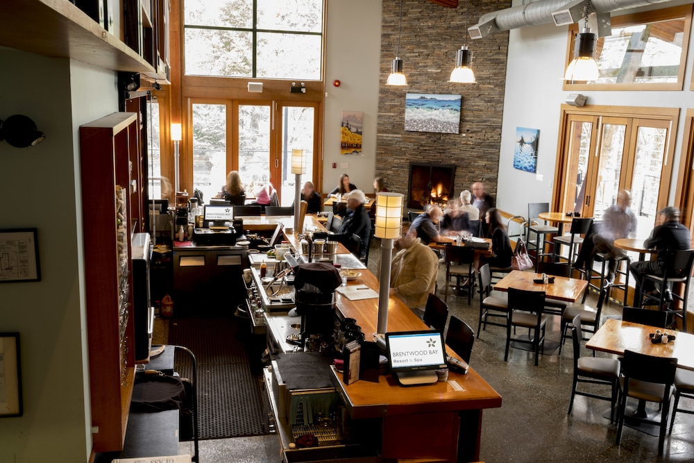 Dining, Brentwood Bay Resort & Spa