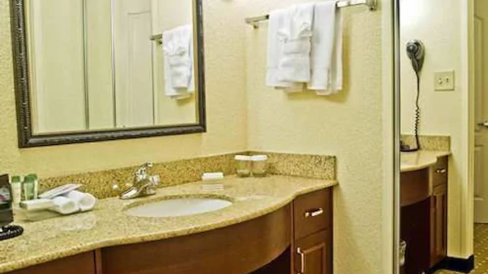 Bathroom, Homewood Suites by Hilton Columbia