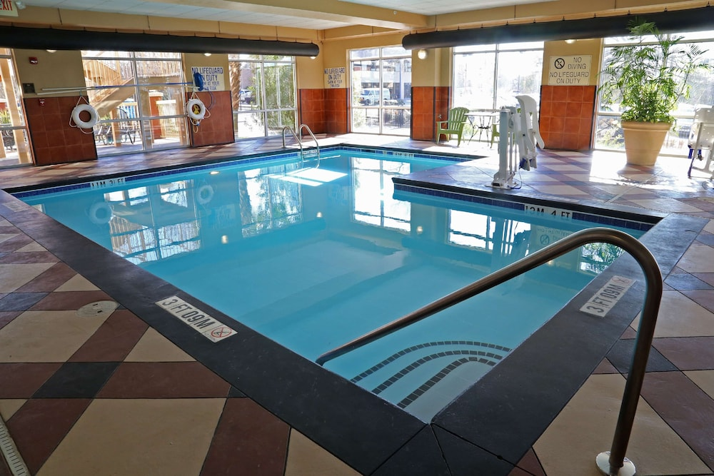 Pool, Homewood Suites by Hilton Columbia