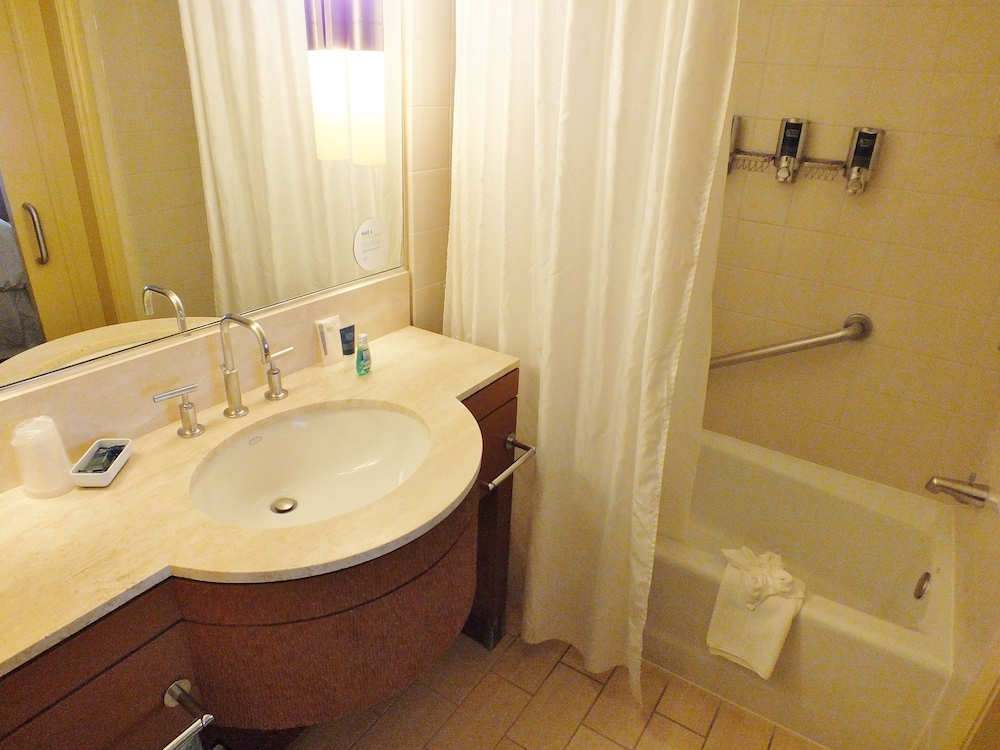 Bathroom, Four Points by Sheraton San Jose Downtown