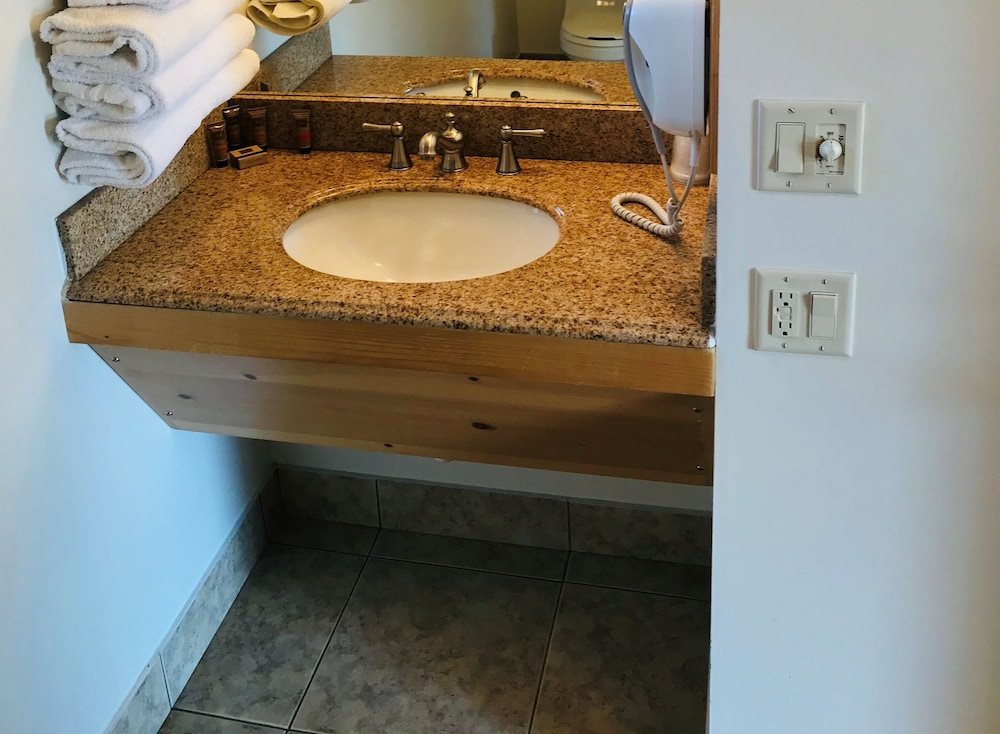 Bathroom Sink, Nordic Lodge Of Steamboat