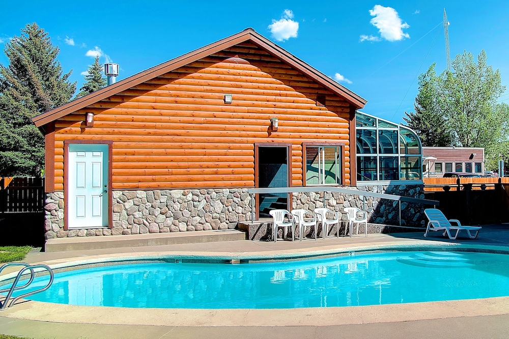 Outdoor Pool, Nordic Lodge Of Steamboat
