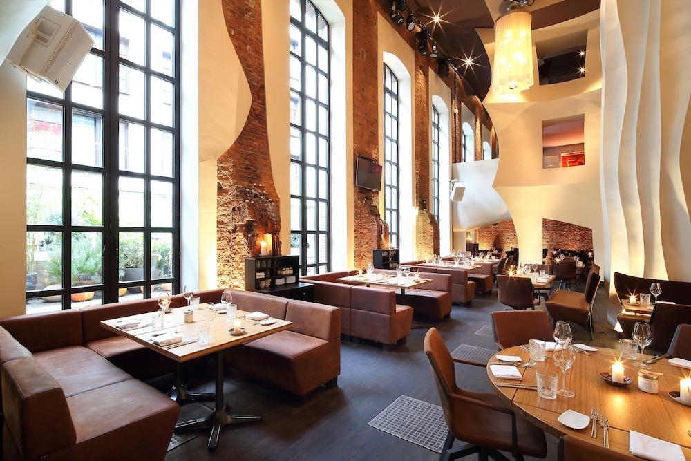 east hotel hamburg in hamburg hotel rates reviews on orbitz. Black Bedroom Furniture Sets. Home Design Ideas