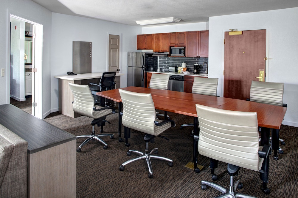 In-Room Business Center, HYATT house Branchburg