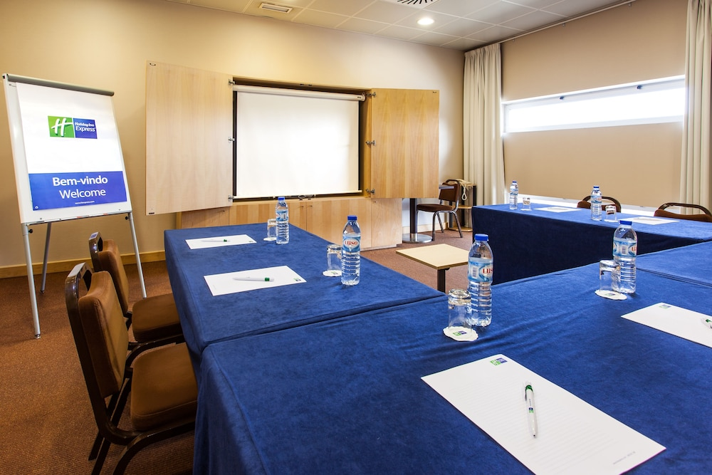 Meeting Facility, Holiday Inn Express Lisbon - Oeiras, an IHG Hotel