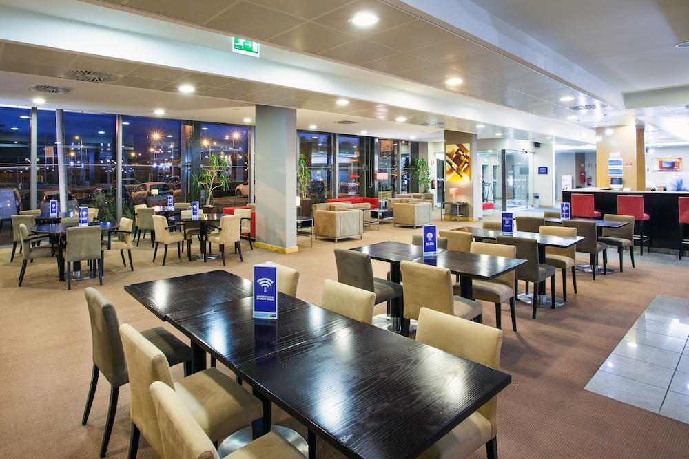 Restaurant, Holiday Inn Express Lisbon - Oeiras, an IHG Hotel