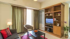1 間臥室、房內夾萬、書桌、熨斗/熨衫板
