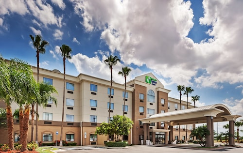 Holiday Inn Express Hotel & Suites Pharr