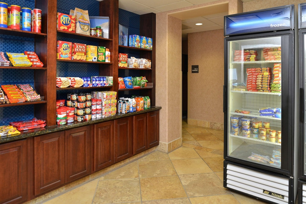 Snack Bar, Hampton Inn & Suites Boise-Meridian