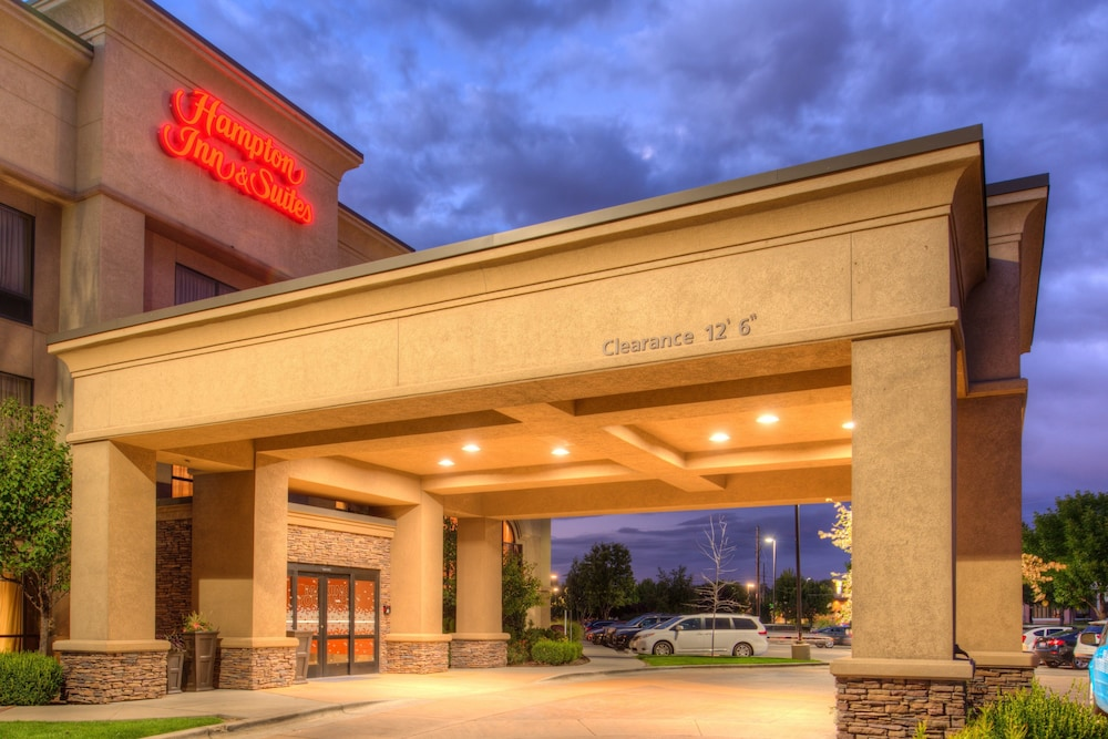 Front of Property - Evening/Night, Hampton Inn & Suites Boise-Meridian