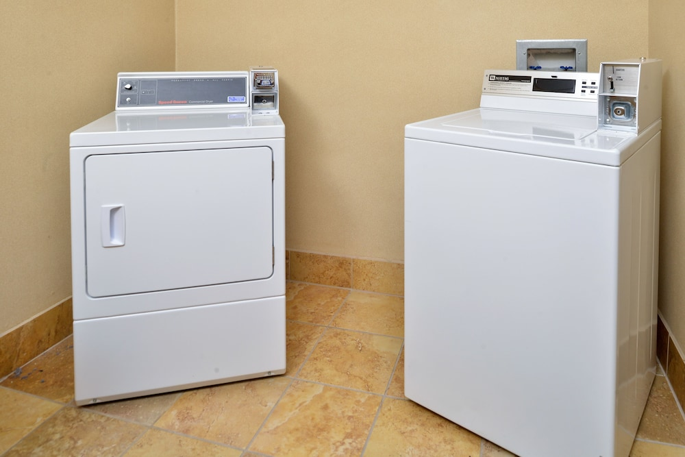 Laundry Room, Hampton Inn & Suites Boise-Meridian