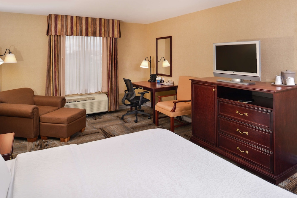 Living Area, Hampton Inn & Suites Boise-Meridian