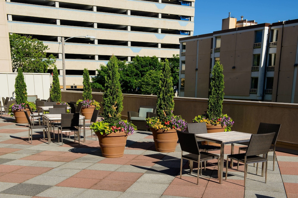 Terrace/Patio, Residence Inn by Marriott Rochester Mayo Clinic Area