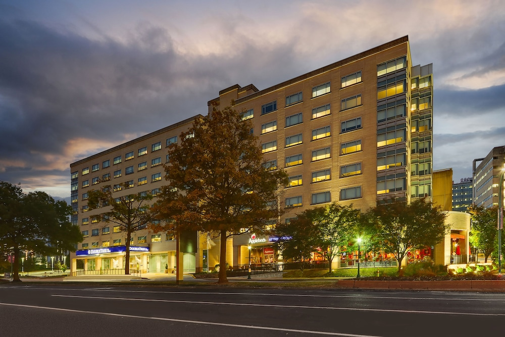 Featured Image, DoubleTree by Hilton St. Louis Forest Park