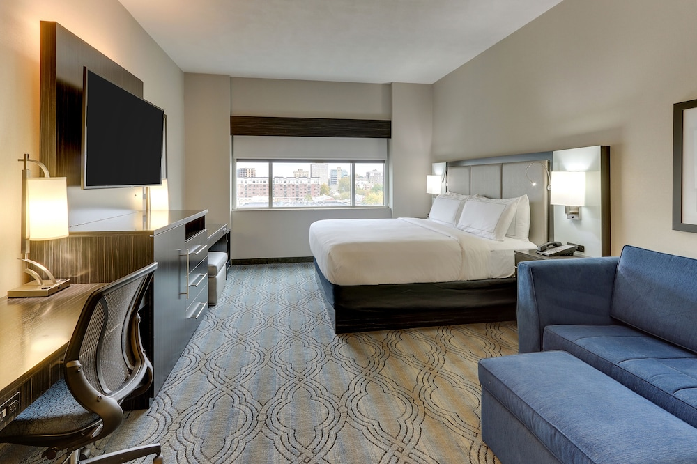 Room, DoubleTree by Hilton St. Louis Forest Park