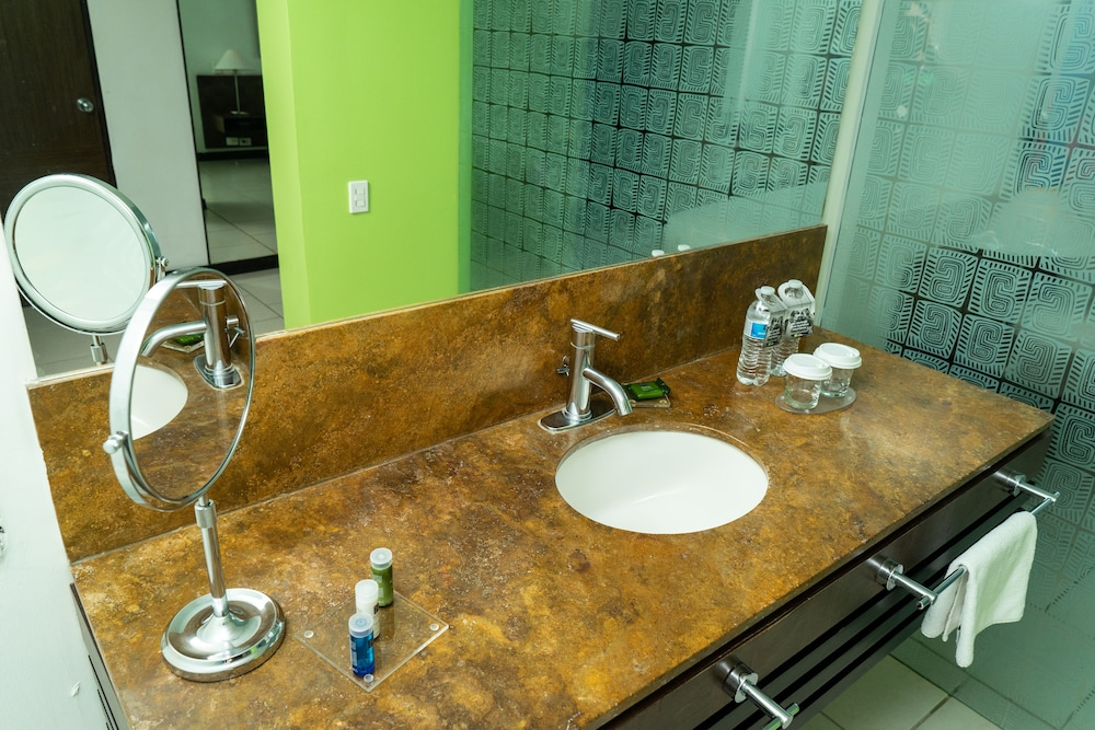 Bathroom Sink, Decapolis Hotel Panama City