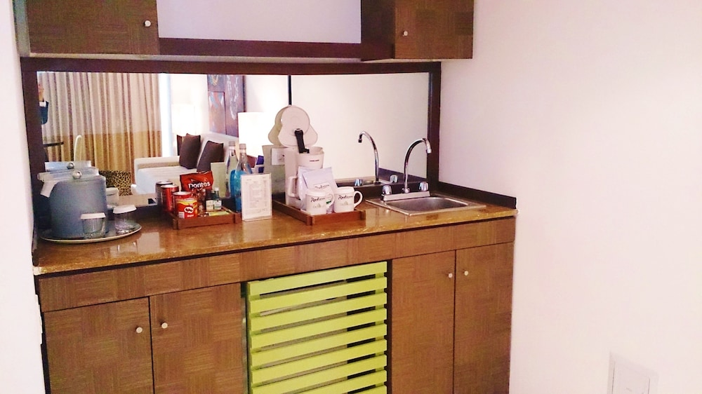Private Kitchenette, Decapolis Hotel Panama City