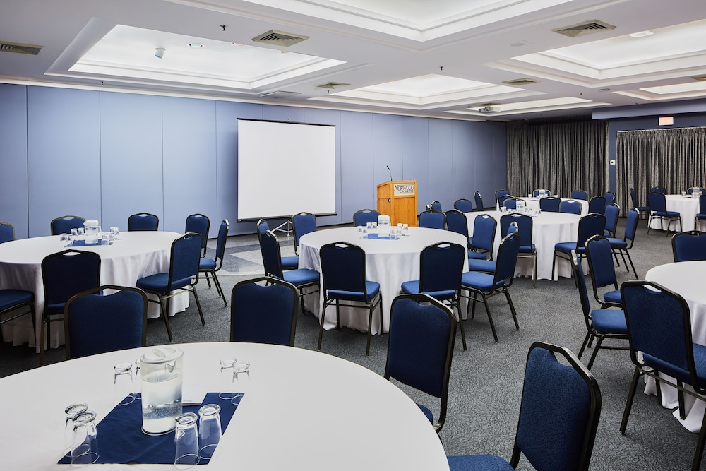 Meeting Facility, Norwood Hotel