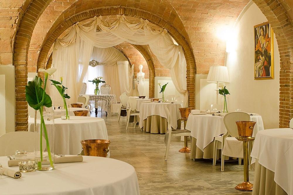 Hotel Villa Maya Cascina