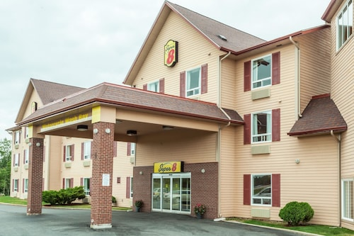 Super 8 by Wyndham Amherst NS