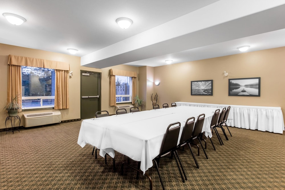 Meeting Facility, Super 8 by Wyndham Amherst NS