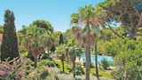 Pierre & Vacances Residence La Pinede - Hyeres Hotels