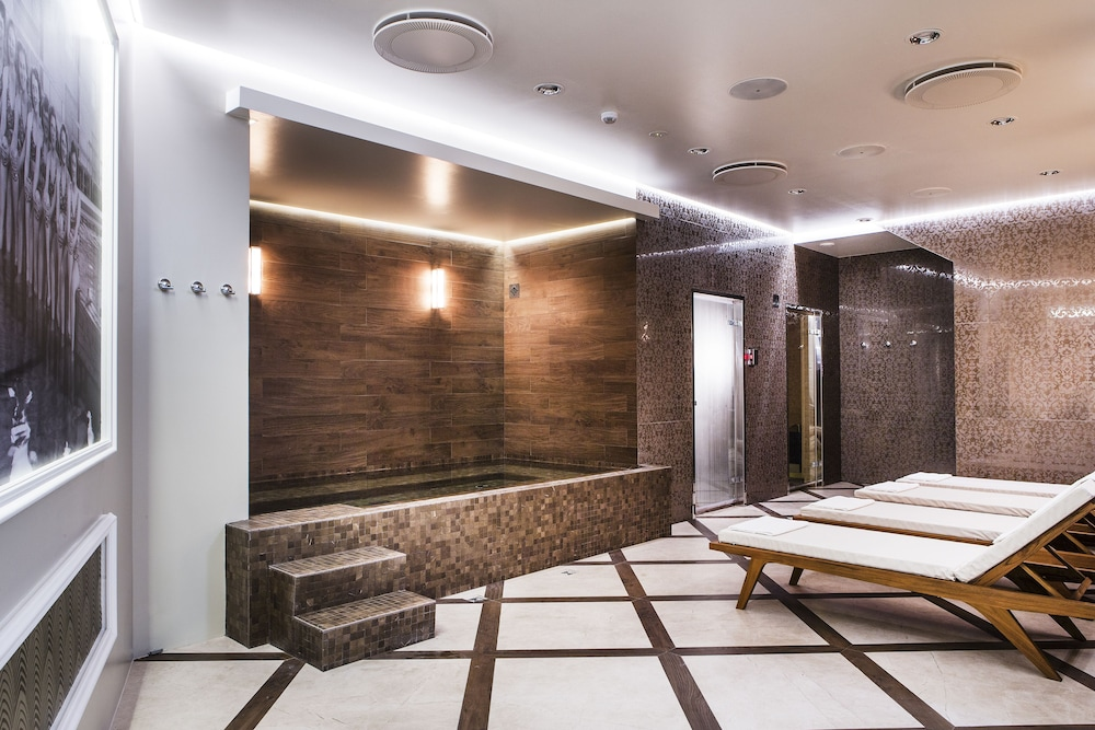 Spa, Hotel Borg by Keahotels