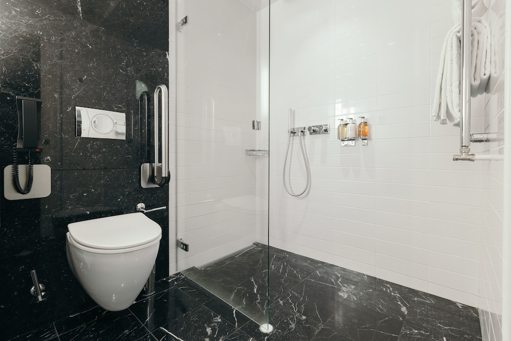 Bathroom, Hotel Borg by Keahotels